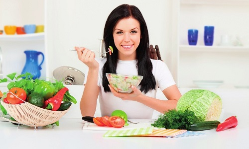Лечение панкреатита предполагает не только применение медикаментов, но и строгое соблюдение диеты