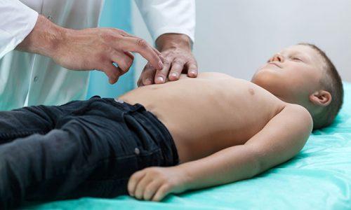 Проблемы с работой железы могут коснуться и детей. Патология бывает врожденной или приобретенной