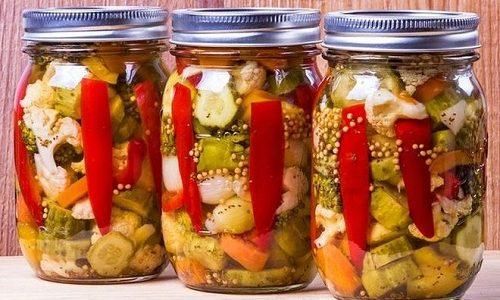 Маринованные овощи при панкреонекрозе находятся пожизненно под запретом